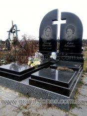 Памятник двойной с большим воздушным крестом