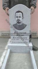 Гранитный памятник белый на могилу