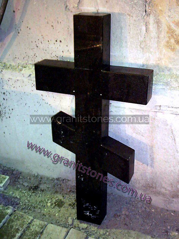 Черный гранитный крест на могилу