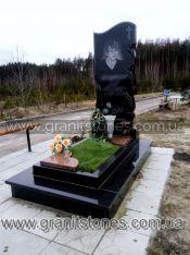 Памятник с полированной волной и листьями гранит