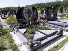 Памятник двойной из гранита с крестом