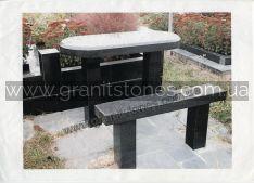 Черный гранитный стол с лавкой