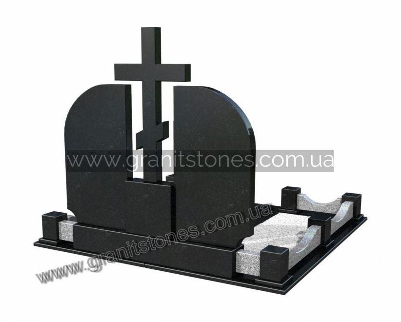 памятник из гранита для двоих крест огражденный вид сзади