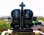 Двойной гранитный памятник с крестом