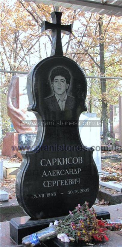 Памятник на могилу в форме контрабаса