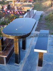 Гранитный стол с лавкой