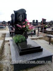 Памятник ручной обработки с волной