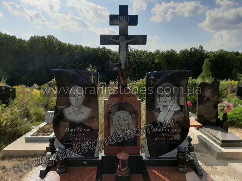 Памятник для двоих с крестом и лампадкой