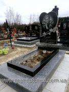 Памятник в виде сердца и с розой гранит