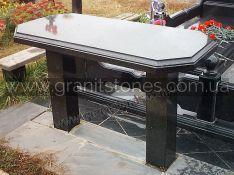 Черный гранитный стол