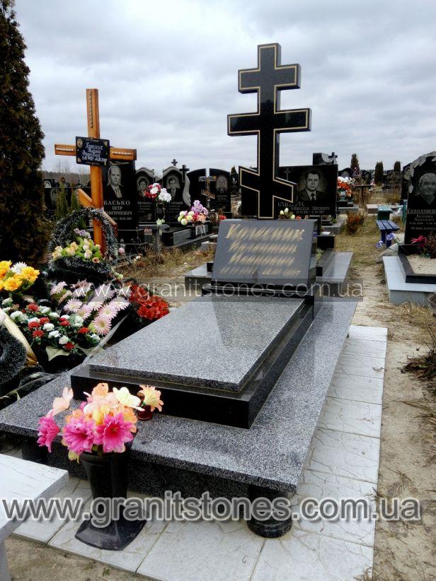 Памятник на могилу крест
