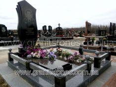 Памятник для двоих серый камень