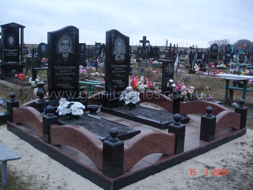 Комплекс на могилу из гранита на 2 человека