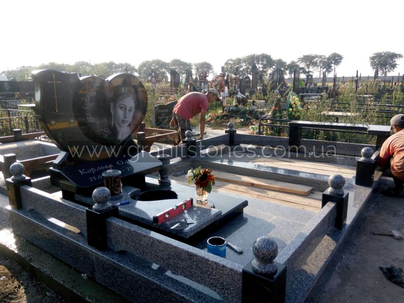 Лампадка сердце большое ограда гранитны памятник