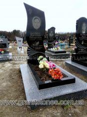 Памятник на могилу в виде стрелы