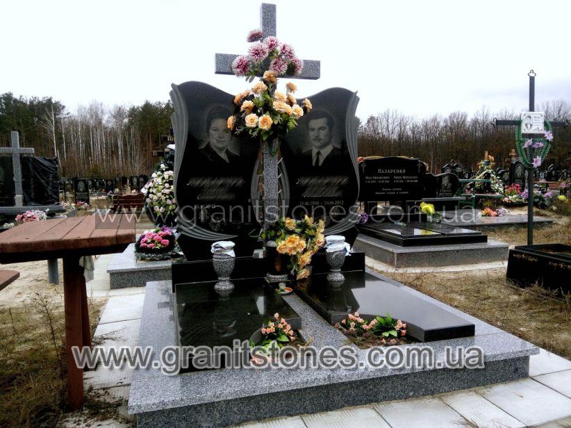 Памятник с резными арками на могилу гранит