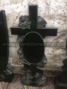 Гранитный крест с розой ручной работы