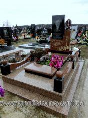 Памятник одинарный с красного гранита на могилу