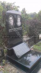 Гранитный памятник двойной со свертком