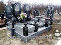 Двойной памятник с оградой на могилу из гранита