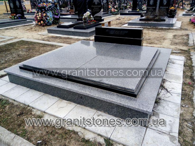 Основание гранитного памятника надгробия